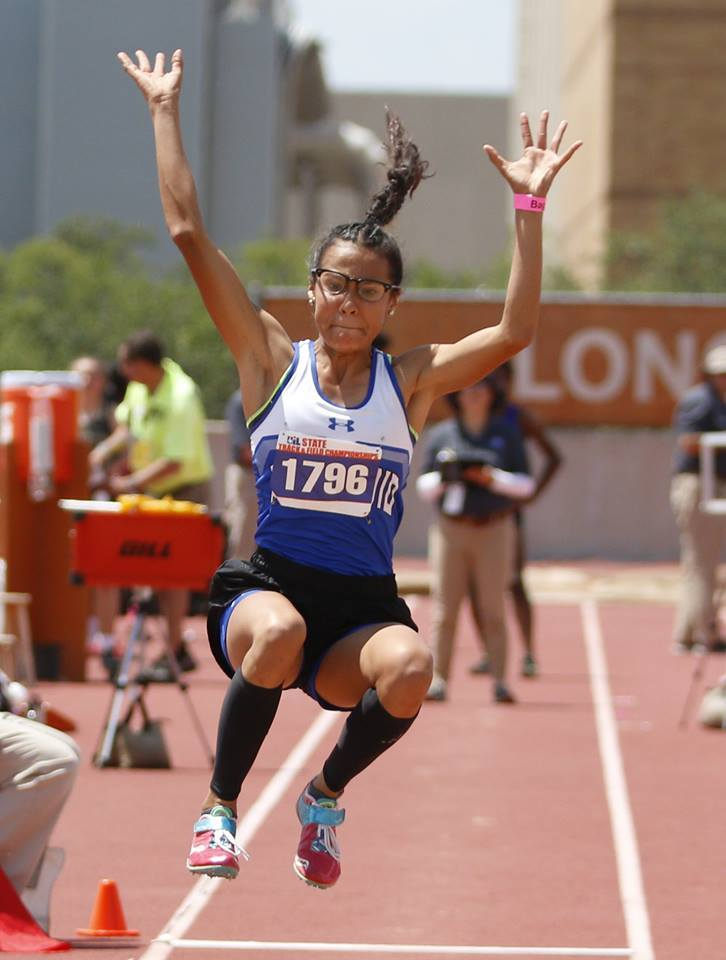 Daniela Valenzuela places 3rd at State Track Meet!